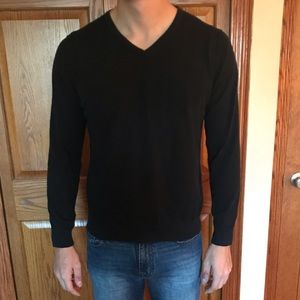 H&M Men's Black V-neck Sweater
